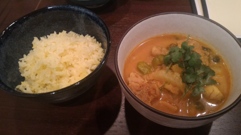 国産鶏とカブのやさしいスープカレー(優しいスープが体にしみます)