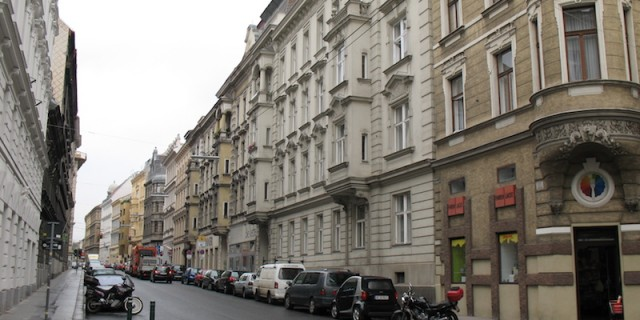 A_street_of_Wien_(8080615899)